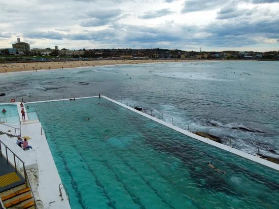 Bondi Beach e sua famosa piscina pública