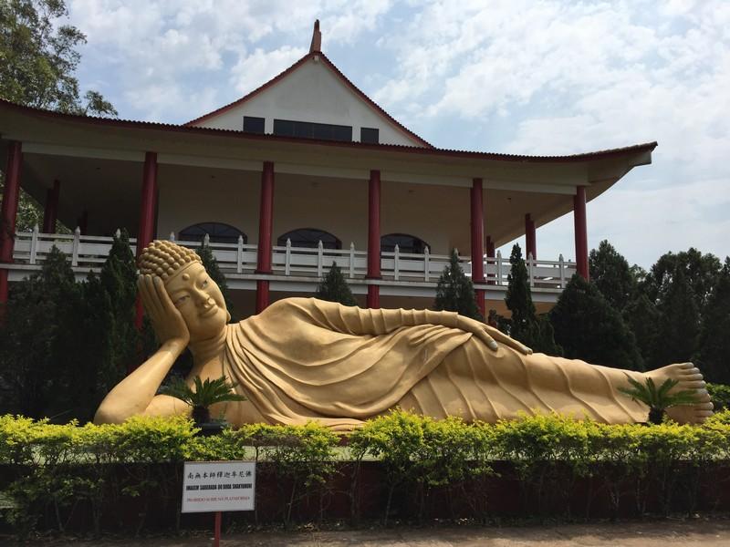 templo budista de foz do iguaçu - preciso viajar
