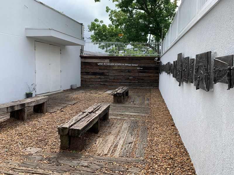 museu holocausto curitiba
